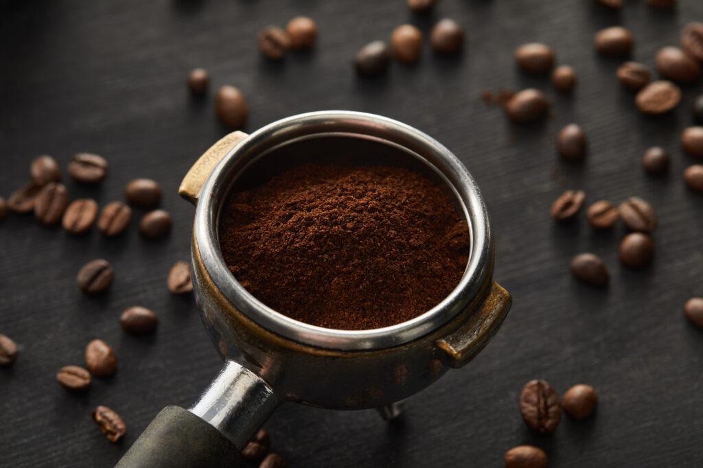 ground-coffee-in-container